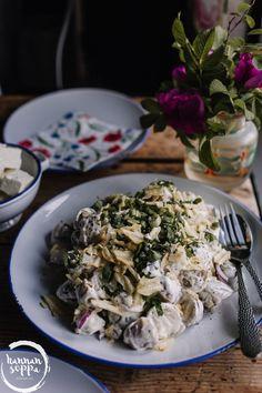 PERUNASALAATTI SIPSEILLÄ - Hannan soppa Bon Appetit, Sour Cream, Cabbage, Grains, Rice, Chicken, Meat, Vegetables, Food