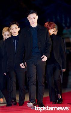 [HD포토] 엑소(EXO) 레이 창사의 큰자랑 힘차게 등장 #topstarnews