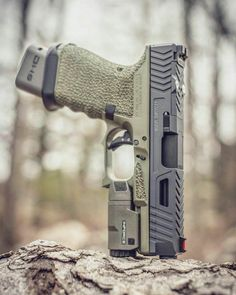 Military Weapons, Weapons Guns, Guns And Ammo, Custom Glock, Custom Guns, Glock Guns, Edc, Cool Guns, Firearms