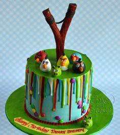 Angry Bird drip cake