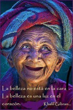 """""""La belleza no está en la cara. La belleza es una luz en el corazón"""". Khalil Gibran #pensamientos"""