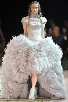 Alexander McQueen - Runway Paris Fashion Week Spring/Summer 2011 - Pictures - Zimbio