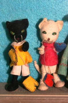 1940's German BAPS Wool Felted Dolls, Fairytale Three Little Kittens Who Lost Their Mittens Lay Away. $225.99, via Etsy.