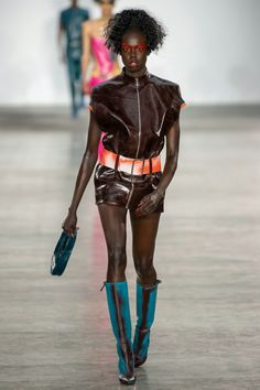Fashion East Spring 2020 Menswear Fashion Show Collection: See the complete Fashion East Spring 2020 Menswear collection. Look 36 Catwalk Fashion, High Fashion, Fashion East, Mens Fashion, Oriental Fashion, Fashion Show Collection, Vogue, Menswear, Spring Summer