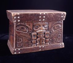 Bear chest made of wood, shell, teeth. Tlingit - 1700-1800.♦️More Pins Like This At FOSTERGINGER @ Pinterest