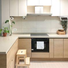 집꾸미기 Black And White Interior, Dream Apartment, Home Interior Design, Kitchen Cabinets, House, Home Decor, Ideas, Decoration Home, Home