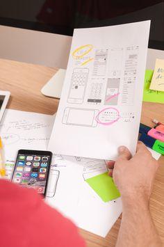 Freelance UX designer #Freelanceratwork #workingwithAppleiPhone6 .CardsofUXprojectsareonthetable-whoknows #maybeit