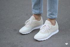 J'aime tout chez toi - Reebok sneakers & jeans
