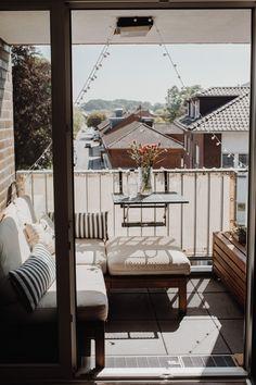 Small Balcony Design, Small Balcony Decor, Small Terrace, Small Outdoor Spaces, Ikea Lounge, Lounge Decor, Ikea Outdoor, Outdoor Living, Scandinavian Style Home