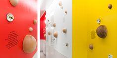 Wand- und Deckengestaltung Intensivstation für Kinder und Jugendliche / Neonatologie, LKH Leoben Triangle, Space, Design, Intensive Care Unit, Young Adults, Wall Design, Kids, Floor Space