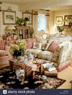 Home Interior Salas .Home Interior Salas English Cottage Interiors, English Cottage Style, English Country Cottages, English Country Decor, French Country Living Room, English Living Rooms, English Cottage Decorating, English Cottage Bedrooms, Country Bedrooms