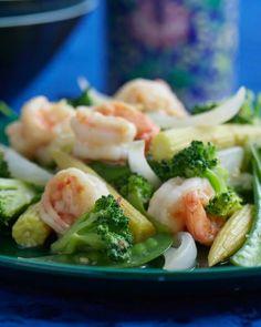 Jade Shrimp with Fragrant Vegetables ~ http://steamykitchen.com