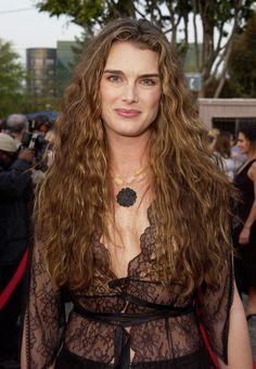 Brooke Shields long curls hairstyle