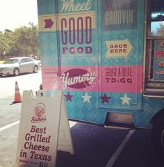 Ruthie's Rolling Cafe provides gourmet to go #DFWFoodTruck