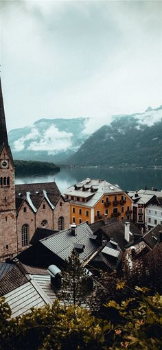 Hallstatt Austria iPhone X Wallpapers Backpacking Europe, Europe Packing, Europe Wallpaper, Iphone Wallpaper Travel, Ipad Mini Wallpaper, Beautiful Islands, Beautiful Places, The Places Youll Go, Places To Visit