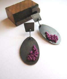 AntiGenre Jewelry (Lauren Maekley) Sterling Silver Knotted Earrings, Plum - Etsy 90$ (75€)