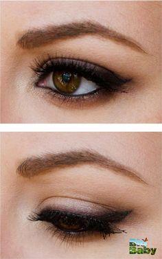 Si vas a salir de noche, puedes delinear tus ojos con tonos más oscuros y usar sombras un poco brillantes.