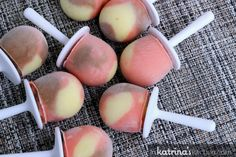 Beat the heat with these 30 tasty healthy homemade popsicle recipes. The best part about homemade popsicles is the neverending possibilities and creativity! Home Made Popsicles Healthy, Homemade Popsicles, Pudding Pop, Chocolate Pudding, Frozen Yogurt, Greek Yogurt, Shugary Sweets, Popsicle Recipes, Gluten Free Chocolate