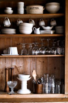 Love us some open-shelving in the kitchen.