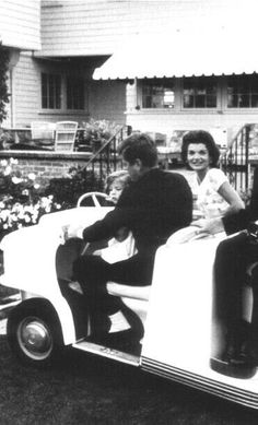 Les Kennedy, John Kennedy, Kennedy Compound, Jackie Kennedy Style, I Still Love Him, John Fitzgerald, Jfk, American History, Hyannis Port