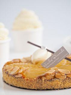 Connaissez-vous la Tarte Bourdaloue ? Pure création parisienne, elle vous emmène dans ces petites rues si typiques et si charmantes qui font le succès mondial de la capitale. Une tarte aux poires au goût de romance parisienne.   #NicolasBernardé #PâtisserieDuSamedi #PDS #dessert #cake #gourmand #gourmet #teatime #Frenchpastry #poire #pear #tarte #pie #Bourdaloue #Paris #ParisIsAlwaysAGoodIdea #French #automne #autumn #fall #gâteau #LaGarenne #Colombes #LaDefense #Neuilly #Courbevoie…