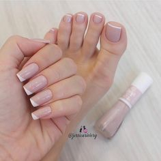 Discover new and inspirational nail art for your short nail designs. Acrylic Toe Nails, Blue Toe Nails, Simple Toe Nails, Toe Nail Color, Feet Nails, Nude Nails, Nails Polish, Nail Manicure, Nail Colors
