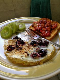 Oatmeal, blackberry omelette (egg whites only) and a slice of whole wheat toast with pan seared strawberries (basically a homemade strawberry jam) and a kiwi on the side. this breakfast made me a happy, healthy camper :) Homemade Strawberry Jam, Happy Healthy, Egg Whites, Omelette, Recipe Of The Day, Kiwi, Strawberries, Blackberry, Camper