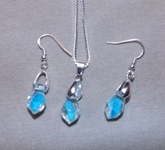 Frost Fire Tear Drop Necklace and Earring Set