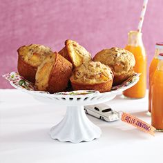 Breakfast recipes: 7 yummy ideas that beat toast - Today's Parent Peaches and Honey muffins Healthy Bedtime Snacks, Healthy Protein Snacks, Healthy Muffin Recipes, Healthy Muffins, Healthy Foods, Healthy Eating, Honey Muffins Recipe, Baking Recipes, Snack Recipes