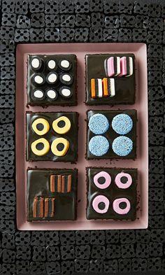 Lakritsimokkapalat | Maku Finnish Recipes, Chocolates, Home Bakery, Just Eat It, Something Sweet, Dessert Recipes, Desserts, No Bake Cake, Cupcake Cakes
