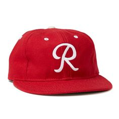 Vintage Seattle Rainiers 1955 Baseball Cap made in America, beautifully made with red wool and tailored to the team's precise history. Vintage Baseball Caps, Baseball Hats, Baseball Fabric, Seattle, Brewery Logos, Retro Waves, Cleveland Indians, Shades Of Red, Vintage Hairstyles