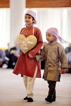 Indian Wedding Ceremony, Wedding Groom, Indian Wedding Pictures, Bollywood, A Cinderella Story, Wedding Photo Gallery, Traditional Indian Wedding, Wedding Rituals, Ladies Gents