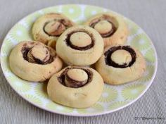 Fursecuri ciupercute din aluat fraged reteta pas cu pas Non Plus Ultra, Cake Cookies, Gem, Biscuits, Muffin, Food And Drink, Breakfast, Desserts, Sweet