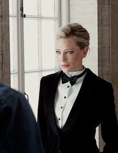 Sì Is My Self - Behind the scenes - 006 - Cate Blanchett Fan Cate Blanchett, Mode Costume, Actrices Hollywood, Look Chic, Carolina Herrera, Woman Crush, Wedding Suits, Suits For Women, Karl Lagerfeld