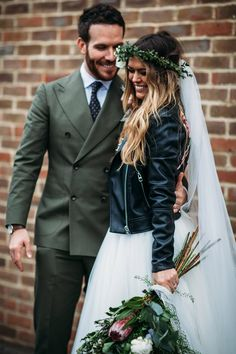 Rock My Wedding: & looking seriously 🔥🔥🔥 if you haven't seen their wedding photographs . Rocker Wedding, Chic Wedding, Wedding Blog, Wedding Ceremony, Wedding Bands, Rock Chic, Boho, Bride Tiara, Rock And Roll