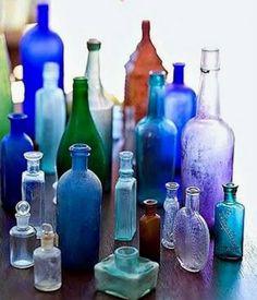 Colored Glass Bottles, Antique Glass Bottles, Blue Bottle, Bottles And Jars, Glass Jars, Perfume Bottles, Coloured Glass, Vodka Bottle, Antique Glassware