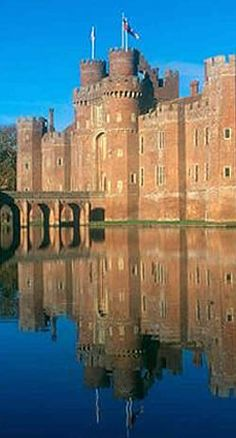 Herstmonceux Castle is a brick-built Tudor castle near Herstmonceux, East Sussex, England. From 1957 to 1988 its grounds were the home of the Royal Greenwich Observatory. Also near to where i live :) Chateau Medieval, Medieval Castle, Beautiful Castles, Beautiful Buildings, East Sussex, Places To Travel, Places To See, The Places Youll Go, Palaces