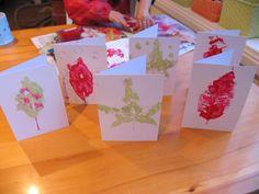 Cartões com impressões de folhas