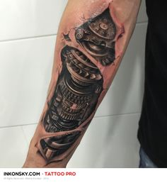 Looking for the best arm tattoos? With so many cool arm tattoos for men, it can be hard choosing between all the badass designs. Neue Tattoos, 3d Tattoos, Body Art Tattoos, Sleeve Tattoos, Cool Arm Tattoos, Arm Tattoos For Guys, Forearm Tattoos, Mechanical Sleeve Tattoo, Cyborg Tattoo