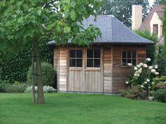 Cottage tuinhuis | tuinhuis met leien | tuinhuis landelijke stijl | ontwerp door Tuinhuisjes Vermeire