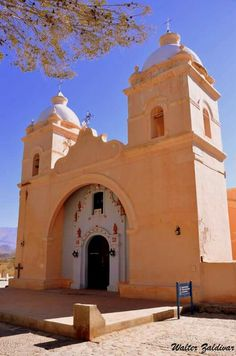 Iglesia de Ntra. Sñra. Del Carmen. Seclantas. Salta. Noroeste (Noa). Argentina Old Churches, South America Travel, American Country, Place Of Worship, Our World, Religion, Places To Visit, Wanderlust, Europe