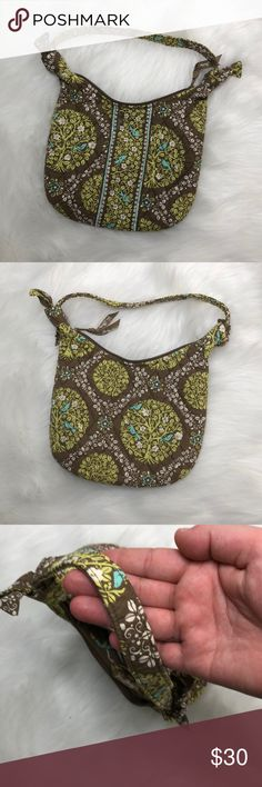 Vera Bradley Shoulder Bag Description: Super cute.  ⚠️I always look through each item throughly once received and right before shipping, but things can be missed. Just let me know, so I can improve.⚠️  🚫NO TRADES/NO HOLDS🚫  Please ask questions❓  💜Thank you for checking out my closet and don't be afraid to submit an offer💜 Vera Bradley Bags Shoulder Bags