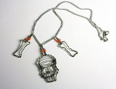 Wire wrapped skull