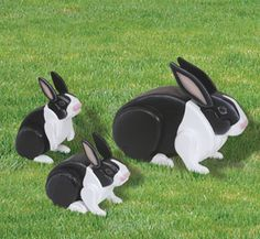 3D Life-Size Rabbits Woodcraft Pattern Decorate your yard or garden with this realistic mother rabbit and her adorable bunnies. #diy #woodcraftpatterns
