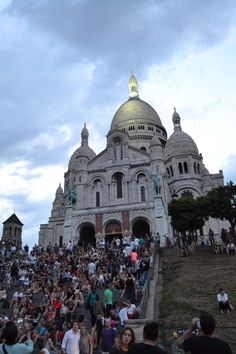 The Best View in Paris: The Montmartre District | http://tallgirlbigworld.com/the-best-view-in-paris-the-montmartre-district/