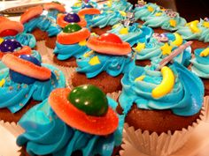 outter space craft ideas | outer space cupcakes