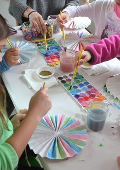 paper pinwheels made to be painted as a birthday party craft Art Activities For Kids, Craft Projects For Kids, Preschool Crafts, Art For Kids, Kids Watercolor, Watercolor Paper, Pinwheel Craft, Paper Pinwheels, Art Lessons Elementary