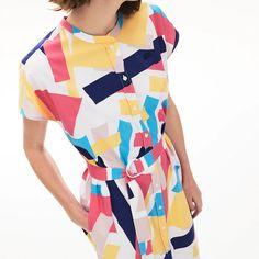 Robe chemise sans manches Lacoste en coton mélangé à motif coloré - Robe Femme Lacoste - Iziva.com Dress Skirt, Wrap Dress, Shirt Dress, Lacoste, Abstract Print, Dress Outfits, Dresses, Wearable Art, Clothes For Women