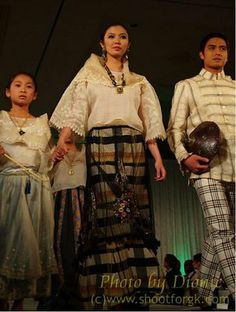 Filipiniana Miss Philippines, Philippines Fashion, Philippines Culture, Filipiniana Dress, Barong, Muslim Dress, Blouse And Skirt, Dance Costumes, Traditional Outfits