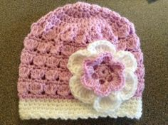 Pink and white croochet hat with flower for baby girl 6-12months old